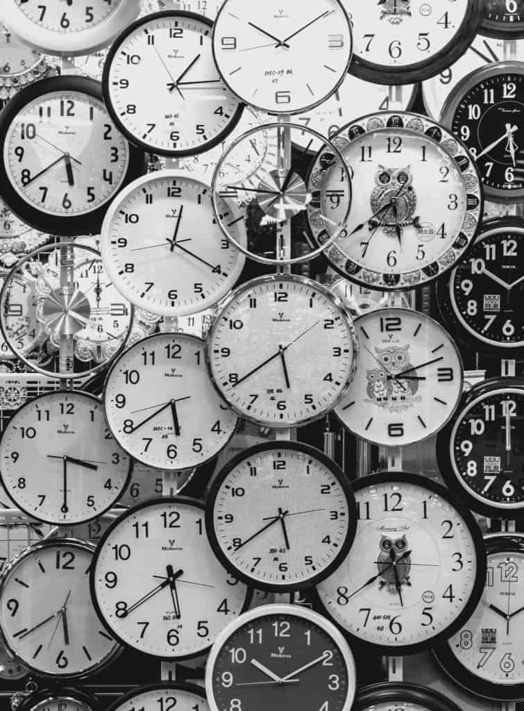 A picture of many clocks