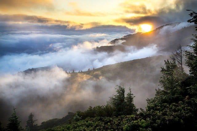 An image of smoke over the mountains.